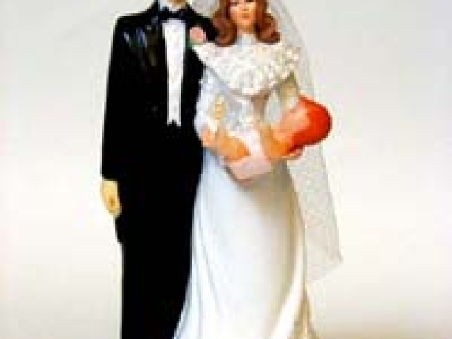 Bride and Groom Cake Topper for TV Sitcom Opening