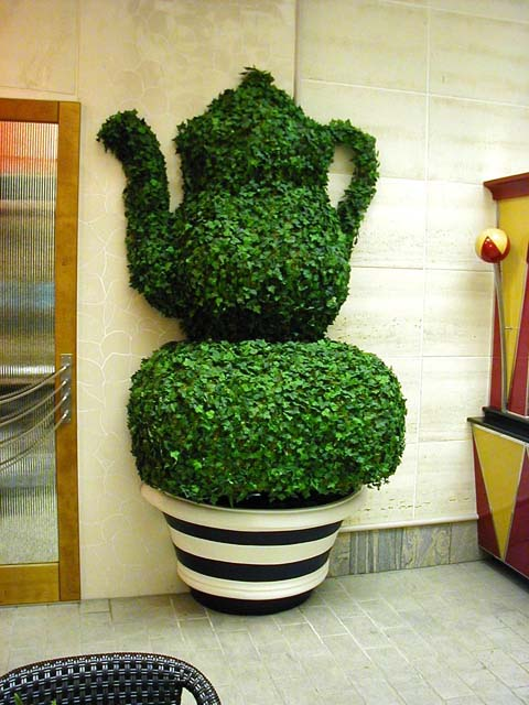 Teapot Topiary, Cafe Promenade, Royal Caribbean Cruise Lines, Adventure of the Seas