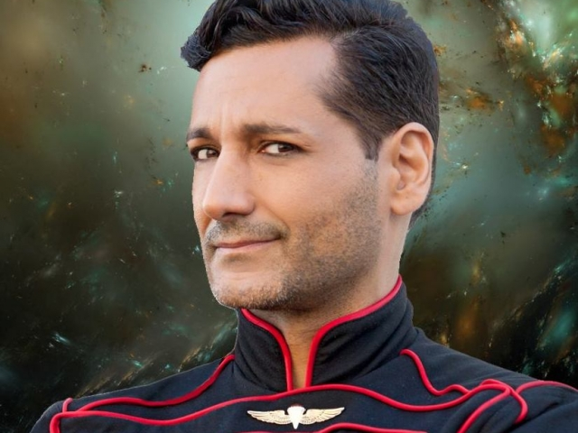 Cas Anvar as Captain Eric Cern, Nobility